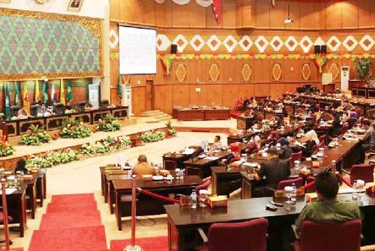 Tak Dilengkapi Visi Misi Gubernur Terpilih, Dewan Kembalikan Draf KUA-PPAS APBD Riau 2019