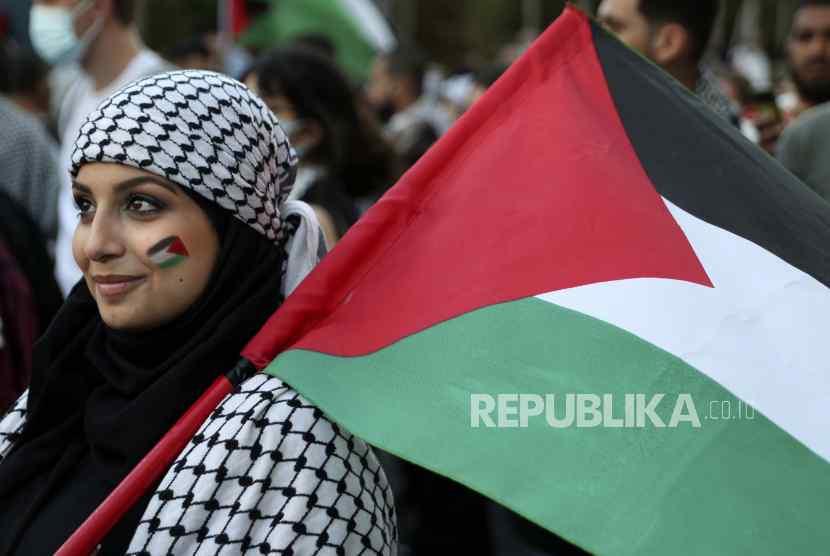 Anies Nyalakan Lampu Nuansa Bendera Palestina di JPO