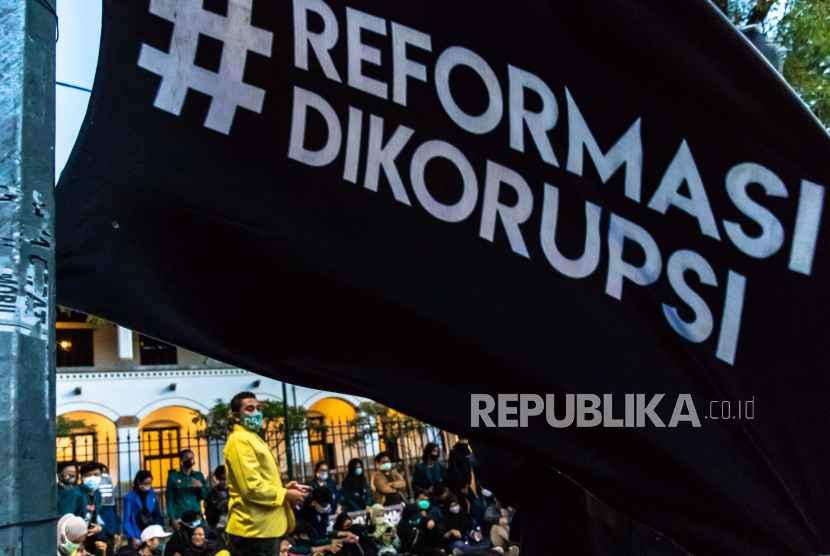 Jumlah Gubernur Proburuh yang Surati Jokowi Terus Bertambah