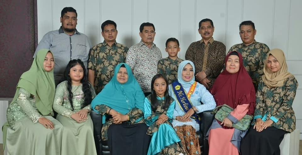 Keluarga Besar Herlina Syaiful