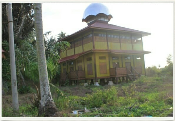 Istana Raja Kunto Darussalam