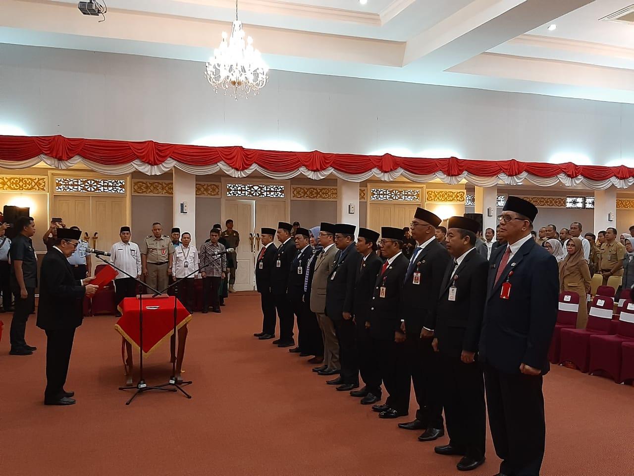 MUTASI JABATAN  : Ini 12 Nama Pejabat Eselon II yang Dimutasi Gubernur Riau