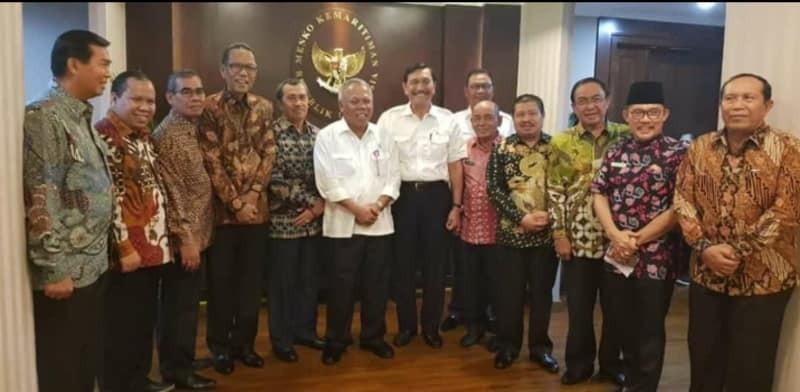 Usai Ramai-ramai Dukung Jokowi, Kini Kepala Daerah di Riau Ramai-ramai Datangi Luhut
