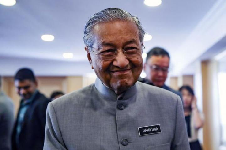 Mahathir Tolak Sanksi Ekonomi Trump kepada Iran, Alasannya?
