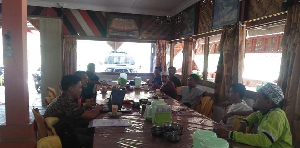 Rapat pembentukan panitia pembangunan masjid desa persiapan kep-sei mandian