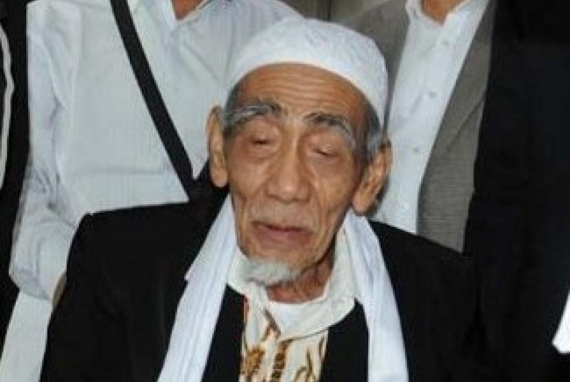 Innalillahi, Mbah Moen Wafat di Makkah