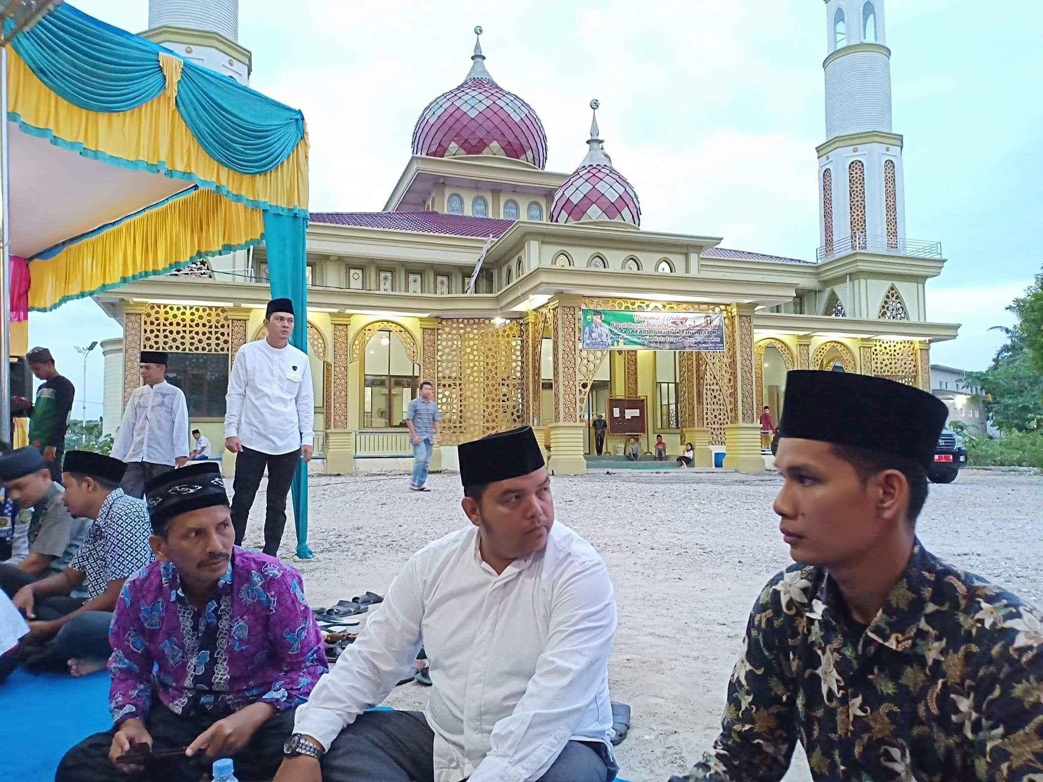 Safari Ramadhan Bupati Rokan Hulu di Kecamatan Kepenuhan