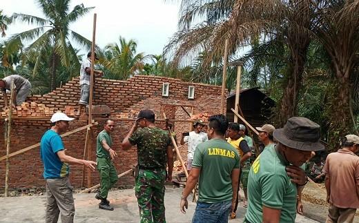 Berkat Swadaya Masyarakat, Rumah Janda di Kepenuhan Timur yang Terbakar Bisa Dibangun Baru