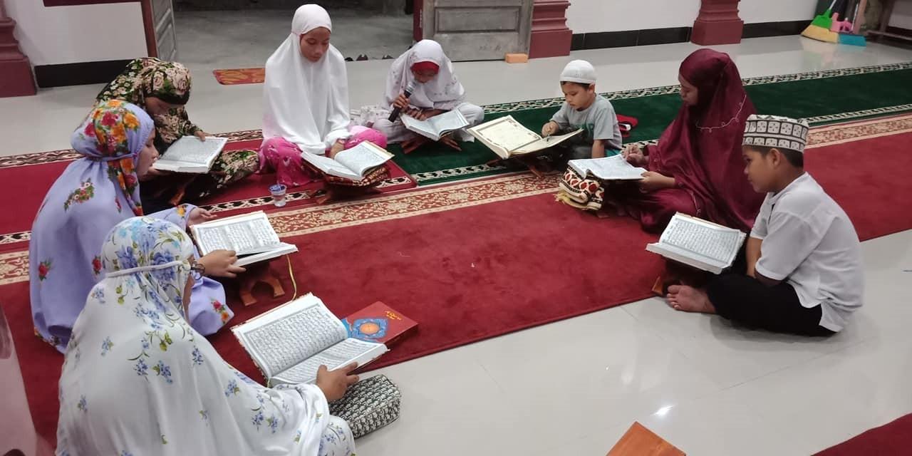 Tadarus malam ke-10 di masjid Baiturrahman USAU.....