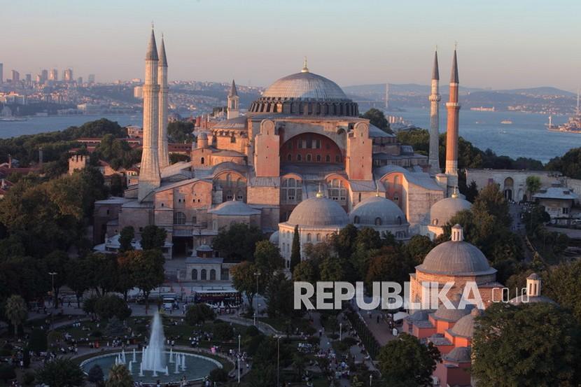 Ulama Sedunia: Alih Fungsi Hagia Sophia Penting Bagi Dunia