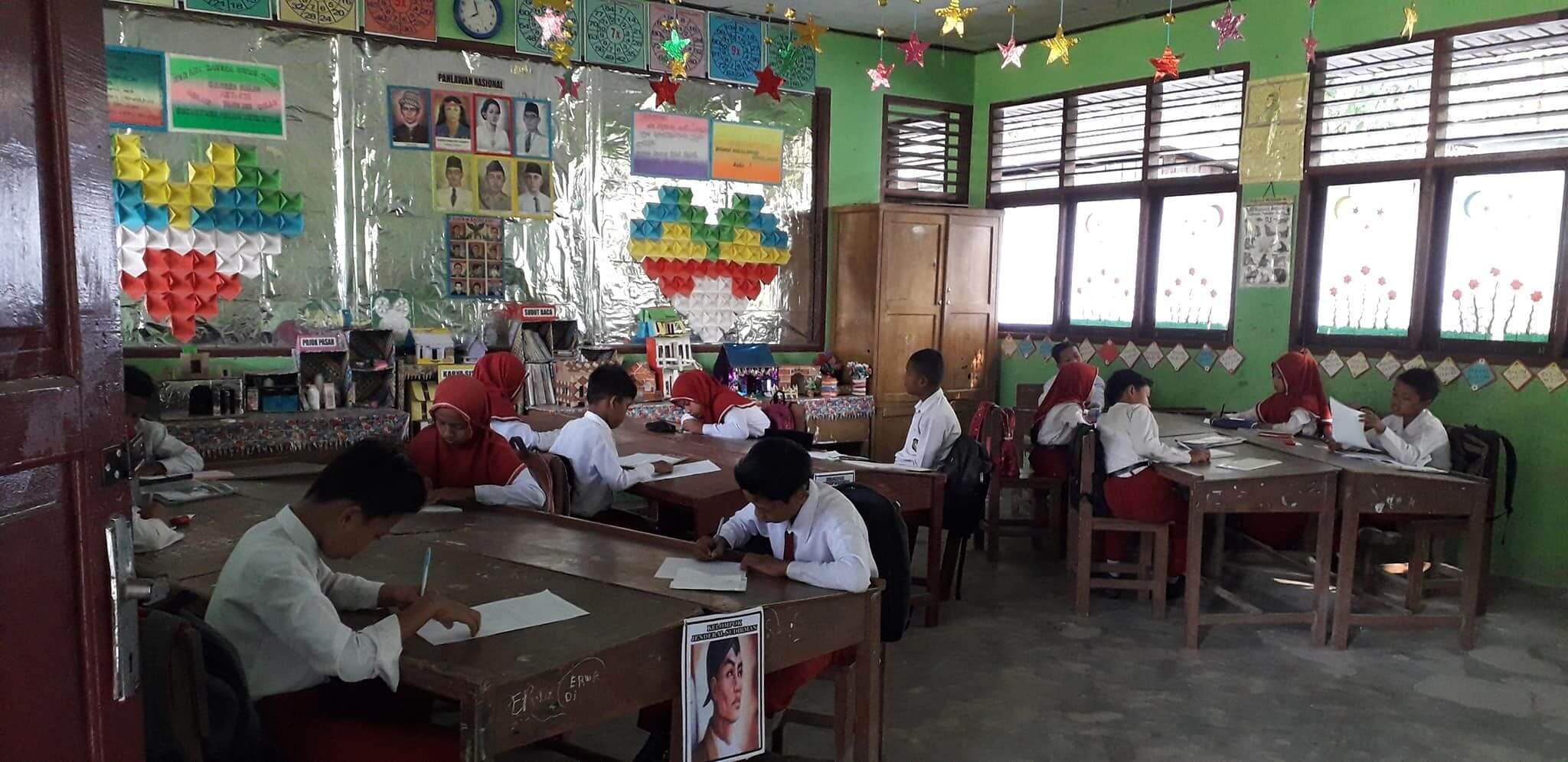 Ujian Tengah Semester (UTS) Kelas 6 SDN 011 Kepenuhan Yang semangat ya nak...