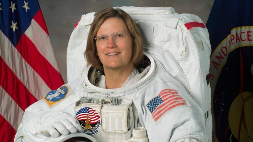 Astronaut Wanita Pertama Kini Jelajahi Titik Terendah Bumi