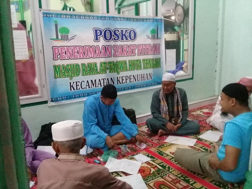 Penerimaan Zakat pada posko penerimaan masjid raya attaqwa kota tengah tahun 1440 H / 2019 M
